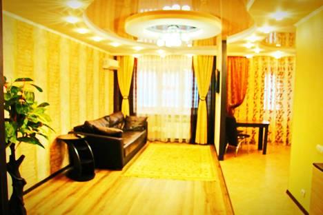 Сдается 2-комнатная квартира посуточно в Набережных Челнах, ул. Шамиля Усманова, 37.