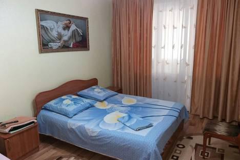 Сдается 2-комнатная квартира посуточно в Актау, 7-й мкр 20 дом.