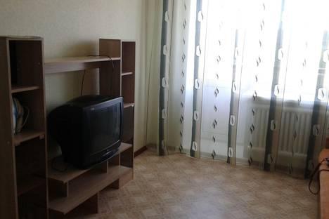 Сдается 1-комнатная квартира посуточно в Яровом, ул. 40 лет Октября, 12.