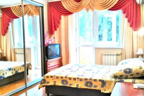Сдается 1-комнатная квартира посуточнов Отрадном, 34 Алупкинское шоссе.