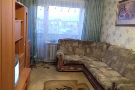 Сдается 3-комнатная квартира посуточно в Яровом, Квартал  Б дом 1.