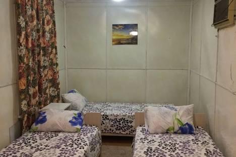 Сдается комната посуточно в Геленджике, Краснодарский край х. Джанхот, пр. Лесной 77.