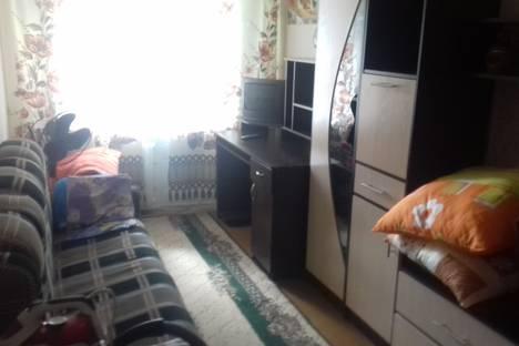 Сдается 2-комнатная квартира посуточно в Яровом, квартал Б до 14.