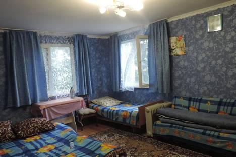 Сдается 2-комнатная квартира посуточно в Гурзуфе, ул. санаторная 31.