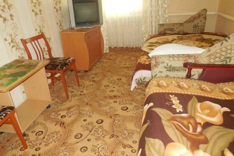 Сдается 2-комнатная квартира посуточно в Ейске, улица Кропоткина, 37.