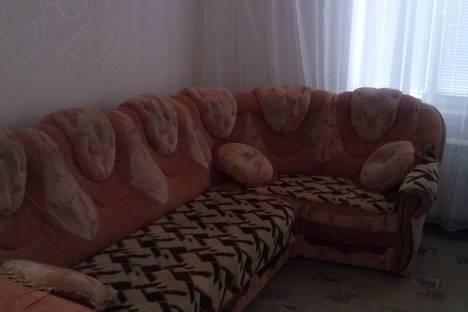 Сдается 3-комнатная квартира посуточно в Яровом, квартал A дом 37.