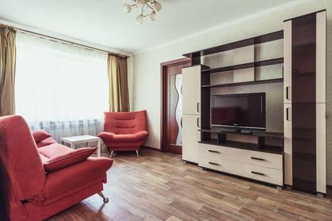 Сдается 2-комнатная квартира посуточно в Тольятти, бульвар Ленина, 20.