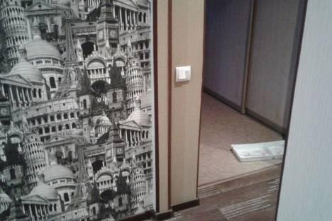 Сдается 1-комнатная квартира посуточно в Яровом, улица 40 Лет Октября 11.