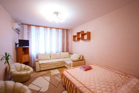 Сдается 1-комнатная квартира посуточнов Красноярске, улица Авиаторов, 40.