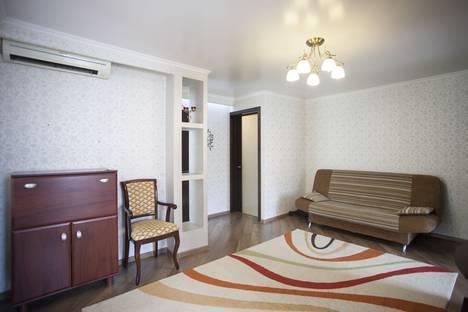 Сдается 2-комнатная квартира посуточнов Сочи, улица Победы, 77.