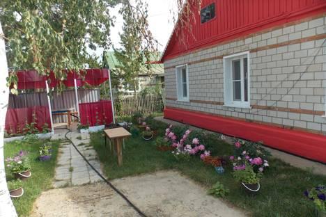 Сдается коттедж посуточно в Яровом, улица Пушкина, 31.