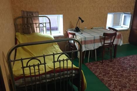 Сдается 1-комнатная квартира посуточно в Новочеркасске, ул. Орджоникидзе, 80/66.