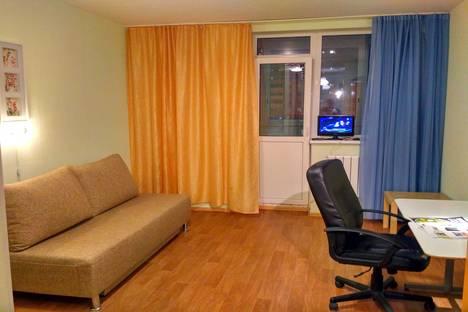 Сдается 1-комнатная квартира посуточнов Екатеринбурге, улица Ракетная, 20.