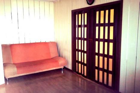 Сдается 2-комнатная квартира посуточно в Якутске, улица Хабарова, 27.