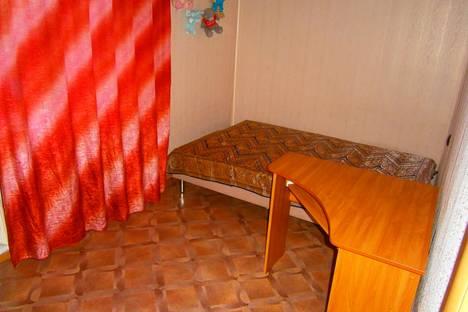 Сдается 2-комнатная квартира посуточно в Яровом, квартал Б, 3.