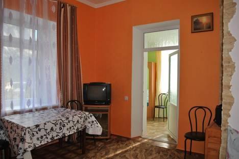 Сдается коттедж посуточно в Новом Свете, Крым,д.12 улица Голицына.