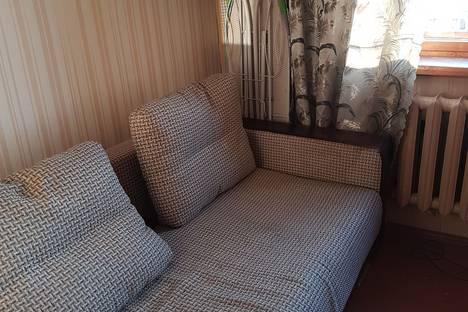 Сдается 1-комнатная квартира посуточнов Кирове, Ордженикидзе 8.