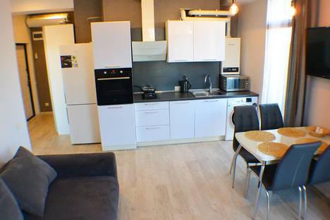 Сдается 2-комнатная квартира посуточно в Адлере, улица Кирова 28а.