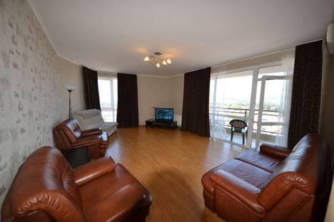 Сдается 2-комнатная квартира посуточно в Адлере, г.Сочи,переулок Богдана Хмельникого, дом 10.