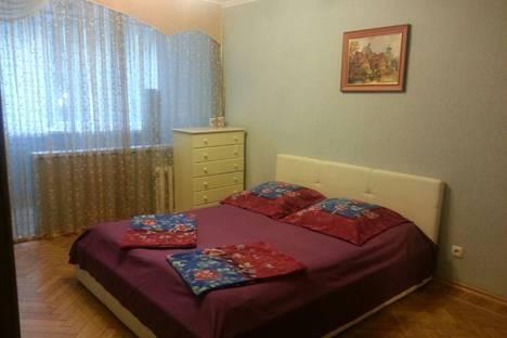Сдается 2-комнатная квартира посуточно, ул. Роз, 37a.