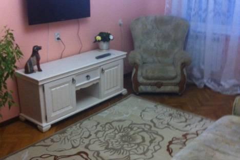 Сдается 3-комнатная квартира посуточно в Партените, ул.Победы дом 5.