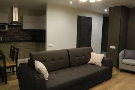 Сдается 2-комнатная квартира посуточнов Сарапуле, улица Пугачева, 60.