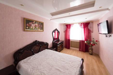 Сдается 2-комнатная квартира посуточно в Казани, Чуйкова 63а.