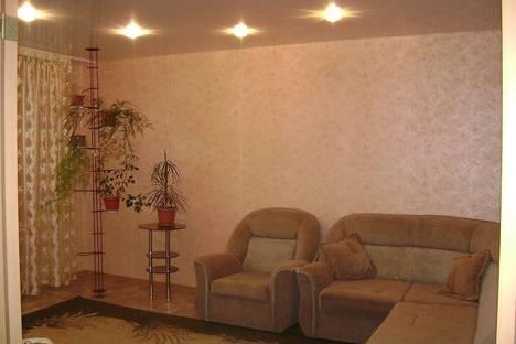 Сдается 3-комнатная квартира посуточно в Яровом, кв А дом35.