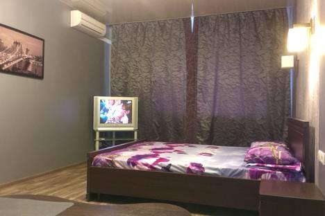 Сдается 1-комнатная квартира посуточно в Харькове, вулиця Академіка Барабашова, 46А.
