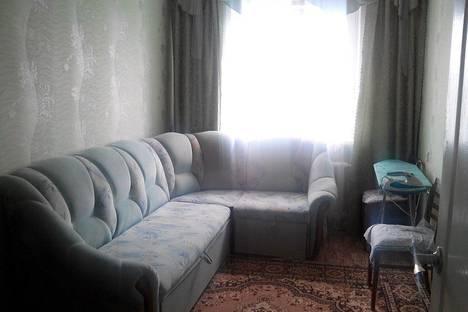 Сдается 3-комнатная квартира посуточно в Яровом, квартал Б, 5.