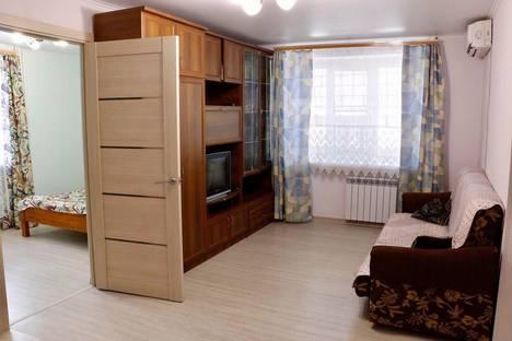 Сдается 2-комнатная квартира посуточно в Анапе, улица Горького, 64.