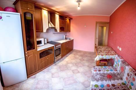 Сдается 1-комнатная квартира посуточнов Тюмени, улица 50 Лет Октября, 80/1.
