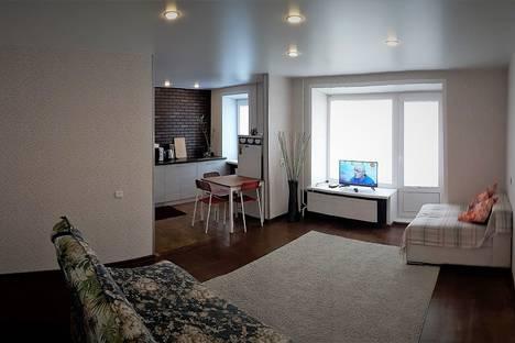 Сдается 2-комнатная квартира посуточнов Верхней Пышме, ул. Антона Валека, 12.