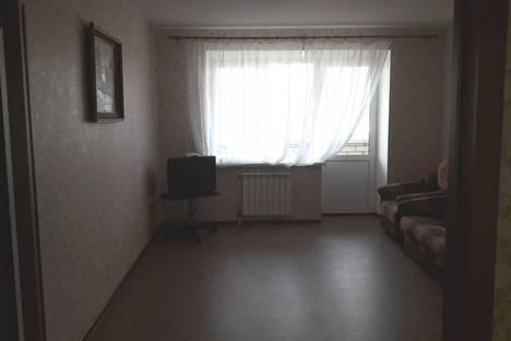 Сдается 2-комнатная квартира посуточно в Каменск-Уральском, улица Дзержинского, 24.