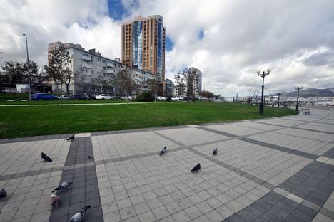 Сдается 2-комнатная квартира посуточнов Крымске, улица набережная Адмирала Серебрякова, 19.