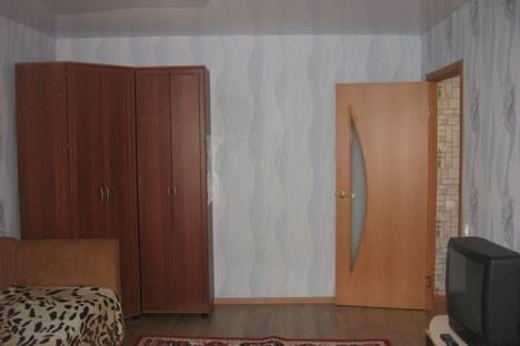 Сдается 1-комнатная квартира посуточнов Сарапуле, Ефима Колчина, 74.