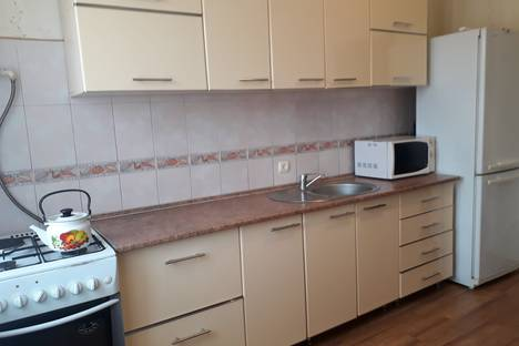 Сдается 2-комнатная квартира посуточнов Бузулуке, 3 мкр. д. 21.