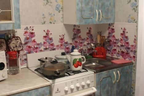 Сдается 2-комнатная квартира посуточнов Яровом, Квартал Б дом 1.