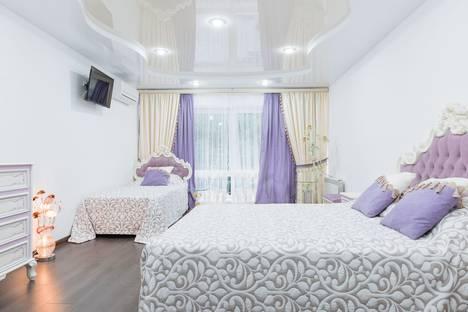 Сдается 2-комнатная квартира посуточно в Сочи, Свирская улица, 22.