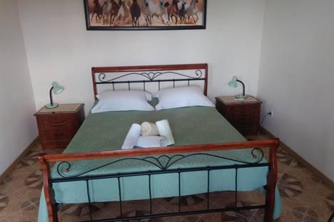 Сдается 1-комнатная квартира посуточно в Мирном, Крым,ул. Морская, 48.