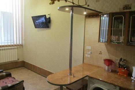 Сдается 2-комнатная квартира посуточно в Феодосии, 22 ул. Мокроусова.