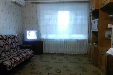 Сдается 1-комнатная квартира посуточно в Геленджике, ул. Кирова, 62.