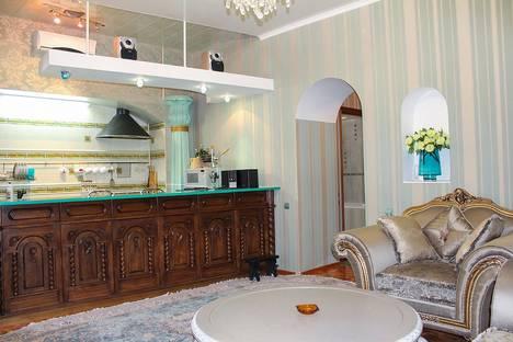 Сдается 3-комнатная квартира посуточнов Ильичёвске, Одесская область,улица Дерибасовская 19.