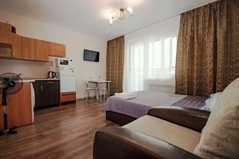 Сдается 1-комнатная квартира посуточно в Челябинске, улица Братьев Кашириных, 115.