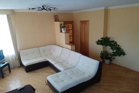 Сдается 2-комнатная квартира посуточно в Ростове-на-Дону, проспект Ленина, 48.