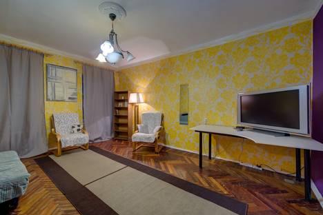 Сдается 2-комнатная квартира посуточнов Санкт-Петербурге, Большая Конюшенная улица д.13.