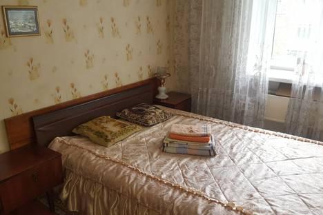 Сдается 2-комнатная квартира посуточнов Новокузнецке, проспект Дружбы, 4А.