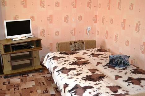 Сдается 1-комнатная квартира посуточно в Шахтах, ул. Шевченко, 78.