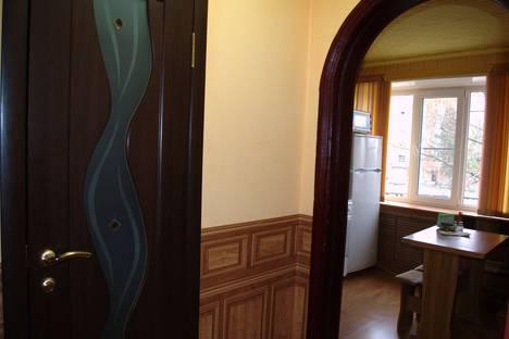 Сдается 1-комнатная квартира посуточно в Шахтах, пер. Лермонтова д.26.
