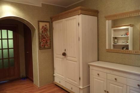 Сдается 3-комнатная квартира посуточно в Калуге, Пролетарская улица, 165.